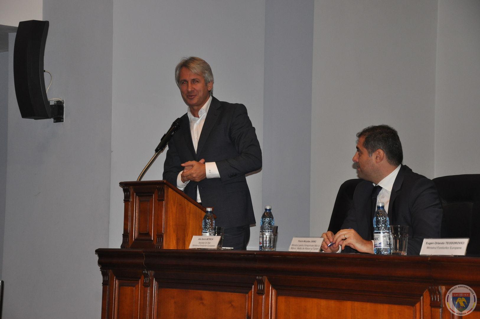 Conferinta Ministrii Teodorovici & Jianu 11.11.2014 (12).JPG