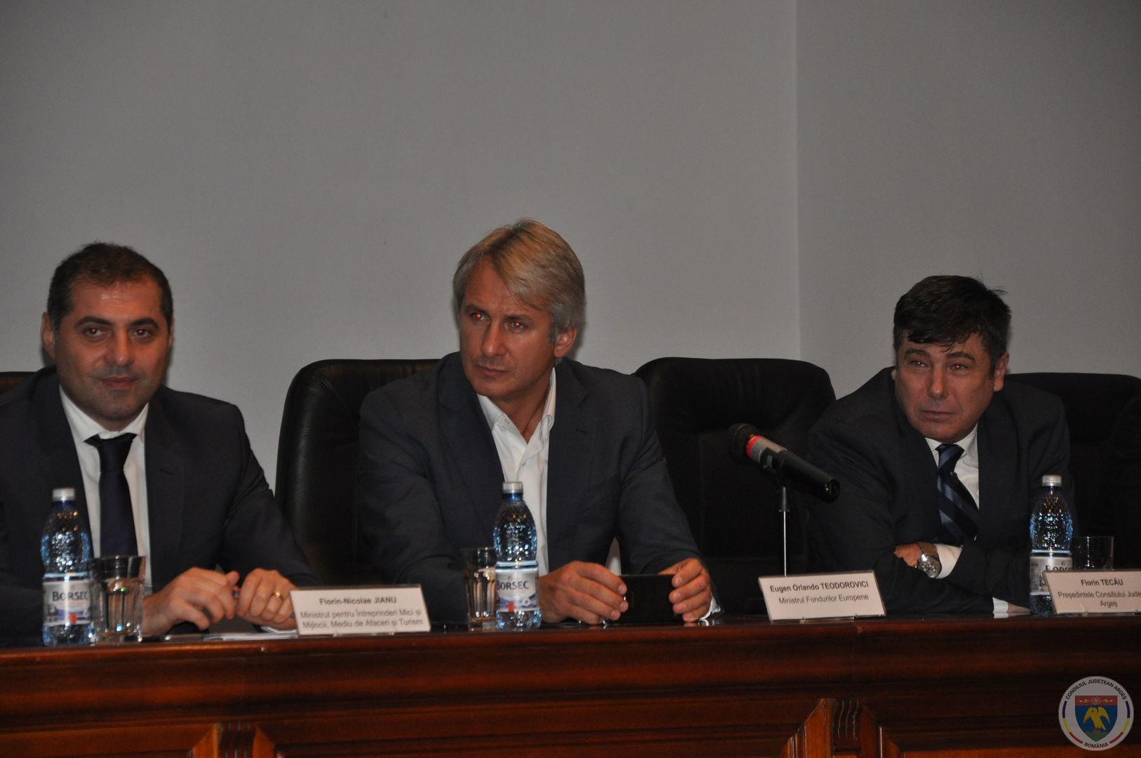 Conferinta Ministrii Teodorovici & Jianu 11.11.2014 (19).JPG
