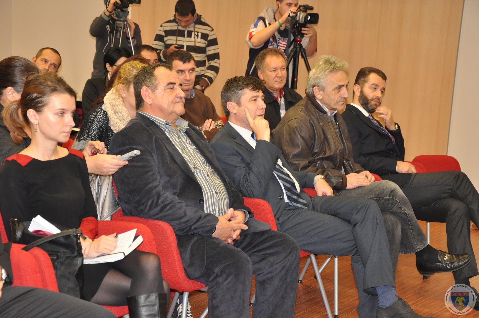 Conferinta Ministrii Teodorovici & Jianu 11.11.2014 (5).JPG