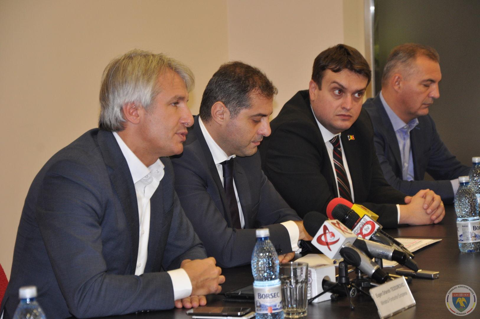 Conferinta Ministrii Teodorovici & Jianu 11.11.2014 (8).JPG