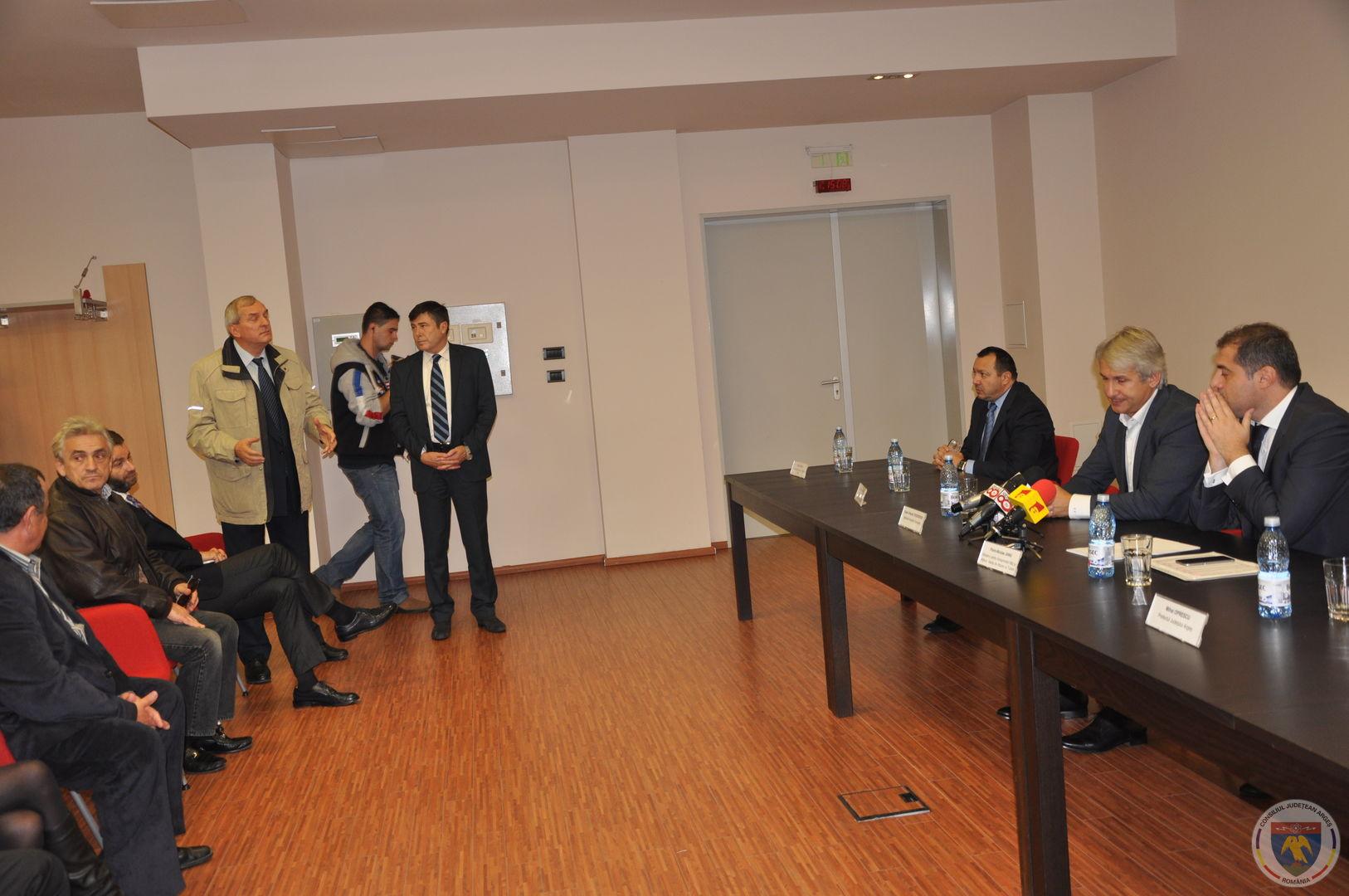 Conferinta Ministrii Teodorovici & Jianu 11.11.2014 (9).JPG