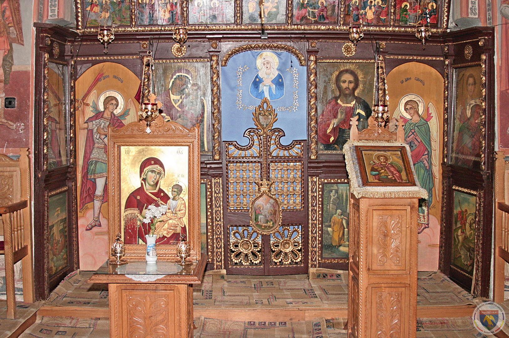 manastirea Robaia iarna2.jpg