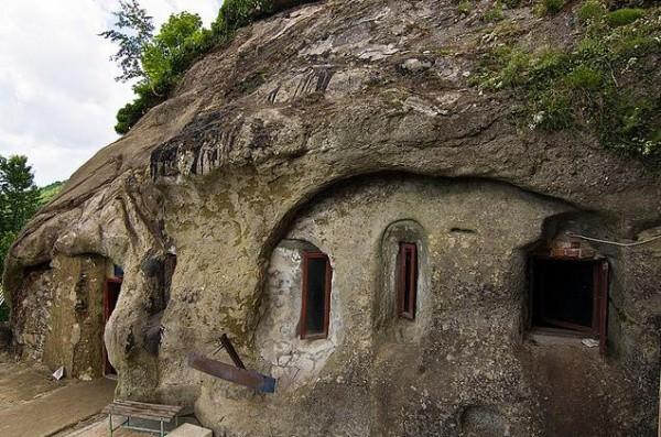 Manastirea-Cetatuia.jpg