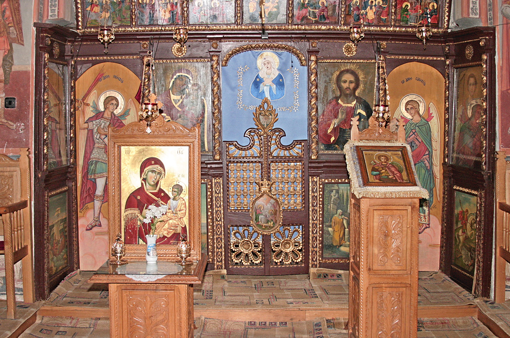 manastirea Robaia iarna (2).jpg